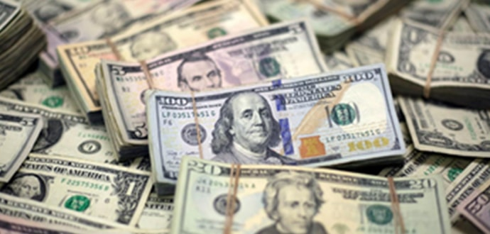 実質「米ドル」が流通しており全て米ドルにて決済